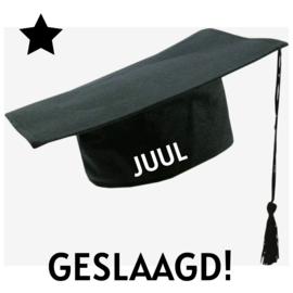 'graduation hat' geslaagd met naam