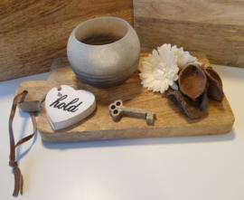 Setje ,houten plankje met windlicht en deco
