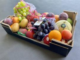 Viert Moeder met druiven !