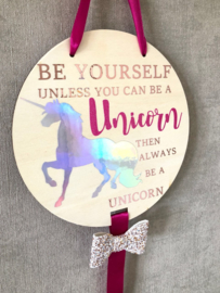 Hanger Unicorn