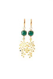 Oorbellen met crystal groen en hanger goldplated