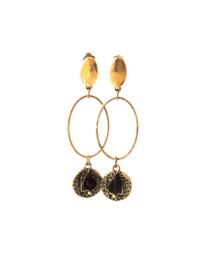 Oorbellen met ovale ring en munt oud goud en granaat