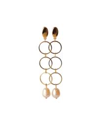 Oorbellen met 3 ringen goldplated en zoetwaterparel