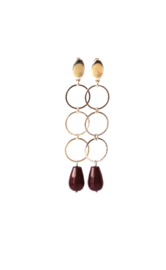 Oorbellen 3 ringen goldplated of rhodium (zilverkleur) en agaat rood