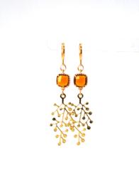 Oorbellen met crystal bruin/oranje en hanger goldplated