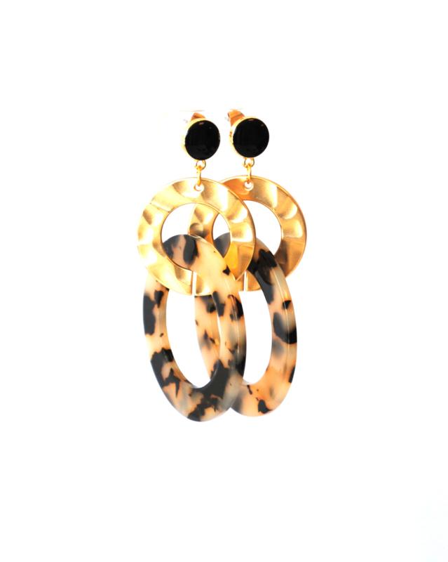 Oorbellen leopard print creme/black, oorsteker zwart en ring goud