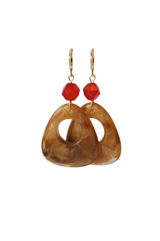 Oorbellen met rode jaspis en resin hanger