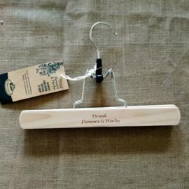houten hanger voor droogbloemen