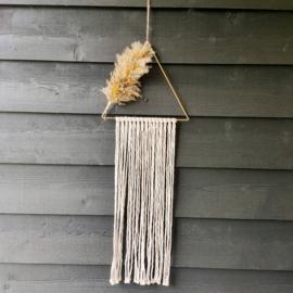 Wandhanger Driehoek met macramegaren