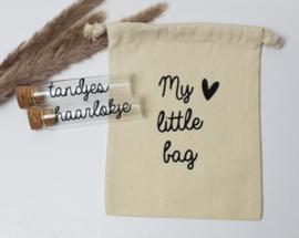 Glazen buisjes met kantoenen tasje  | My little bag