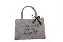 Vilten tas -  deze tas is van de allerliefste oma met hartje