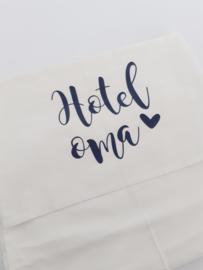 Ledikantlaken 'Hotel oma'