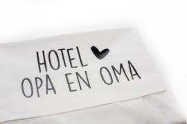Ledikantlaken 'Hotel opa en oma'