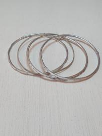 4 rinkelarmbanden