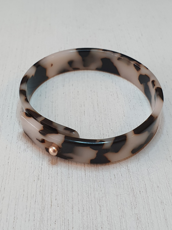Kunststof armband, gemarmerd