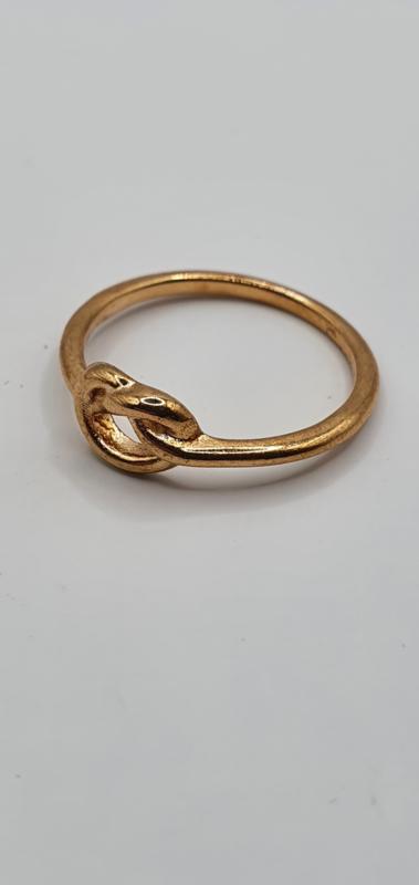 Ring met knoop