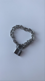 Armband zilver met slotje stoer