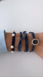Donkerblauw armbandje (4-delig)