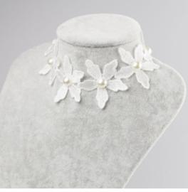 Bloemen halsband