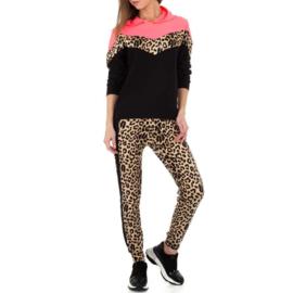 Comfy pink luipaard