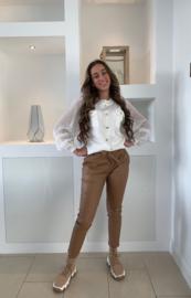Wit trui met doorzichtige mouwen