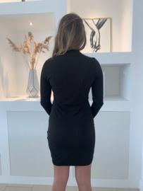 Zwart jurkje met knoopjes