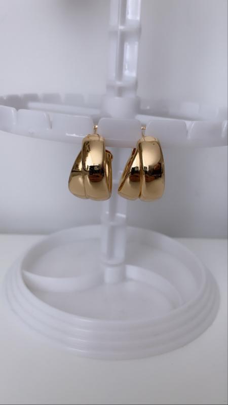 Dubbele ring oorbel goud