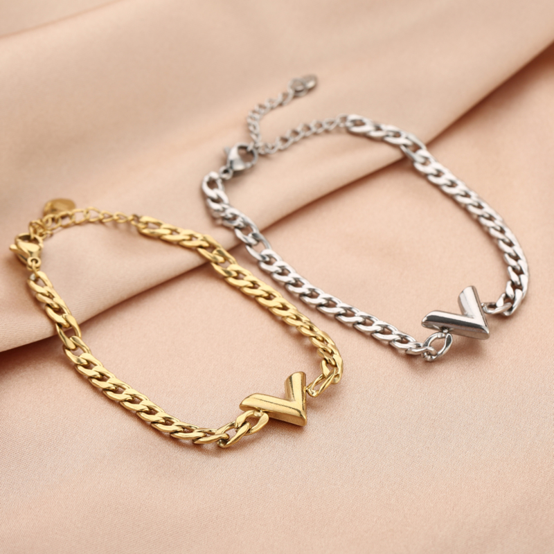 Armband V zilver