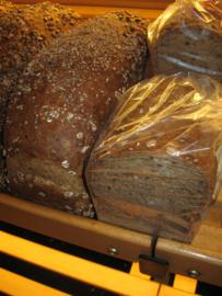 Halfje meergranen brood gesneden