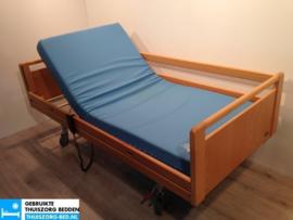 INVACARE 49 DEMONTABEL ELEKTRISCH HOOG LAAG THUISZORG-BED