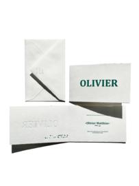Geboortekaartje   letterpress    10 x 15cm    Preeg     naam   Olivier' vanaf