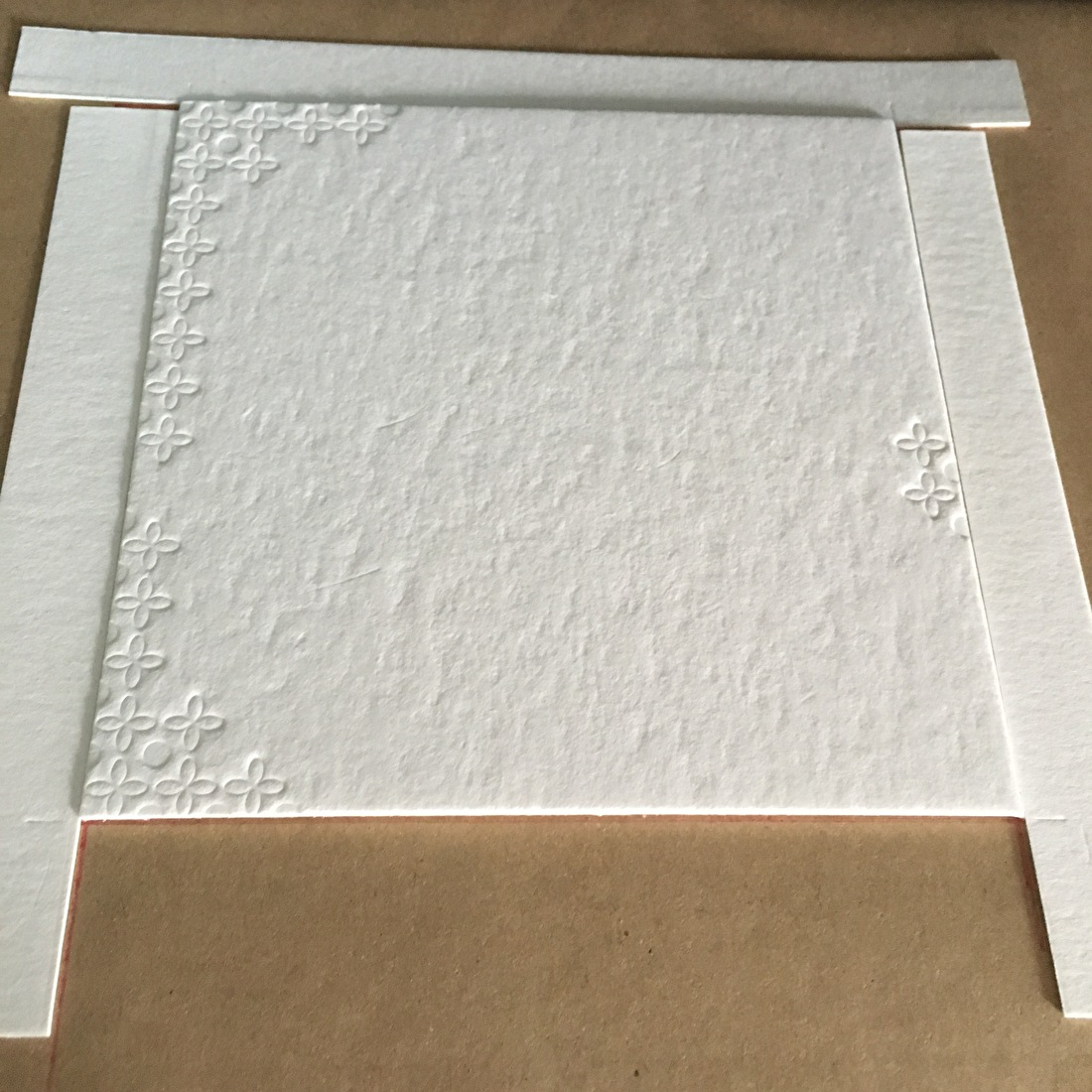 Wat is blinddruk? trouwkaart, geboortekaartje, blind druk, letterpress, goedkoop