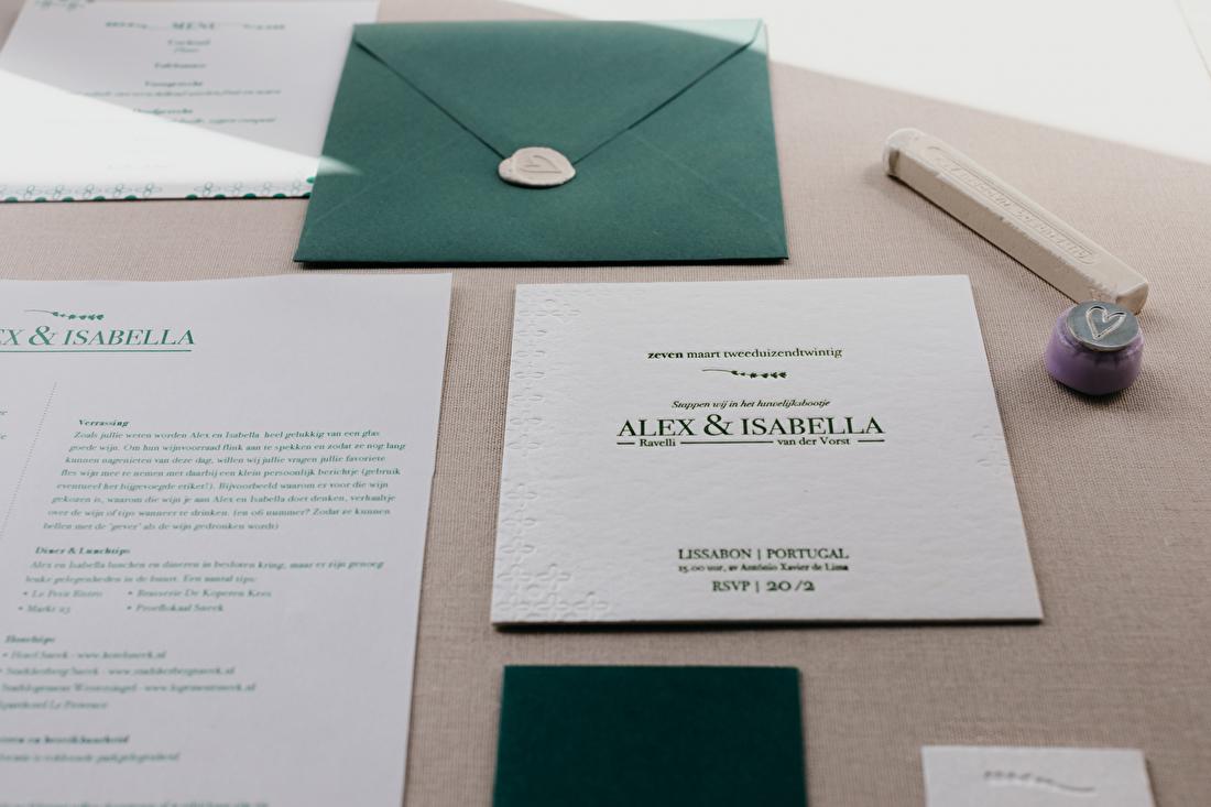 trouwkaart met blinddruk, minimalistisch. Portugal. letterpress blind druk. goedkoop