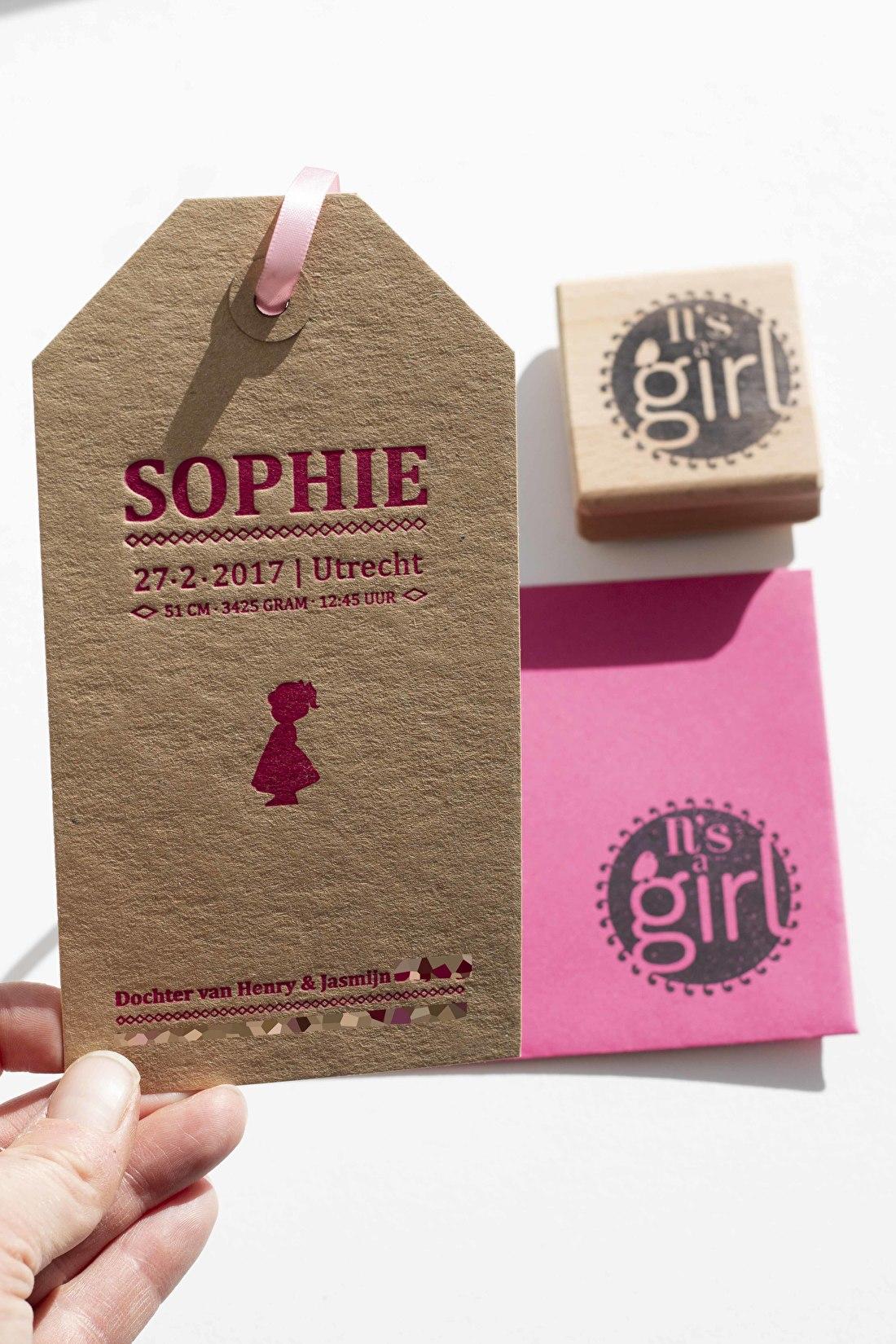 geboortekaartje letterpress, goedkoop, kraft papier, folie mat roze, letterpress, macho wild, It's a air
