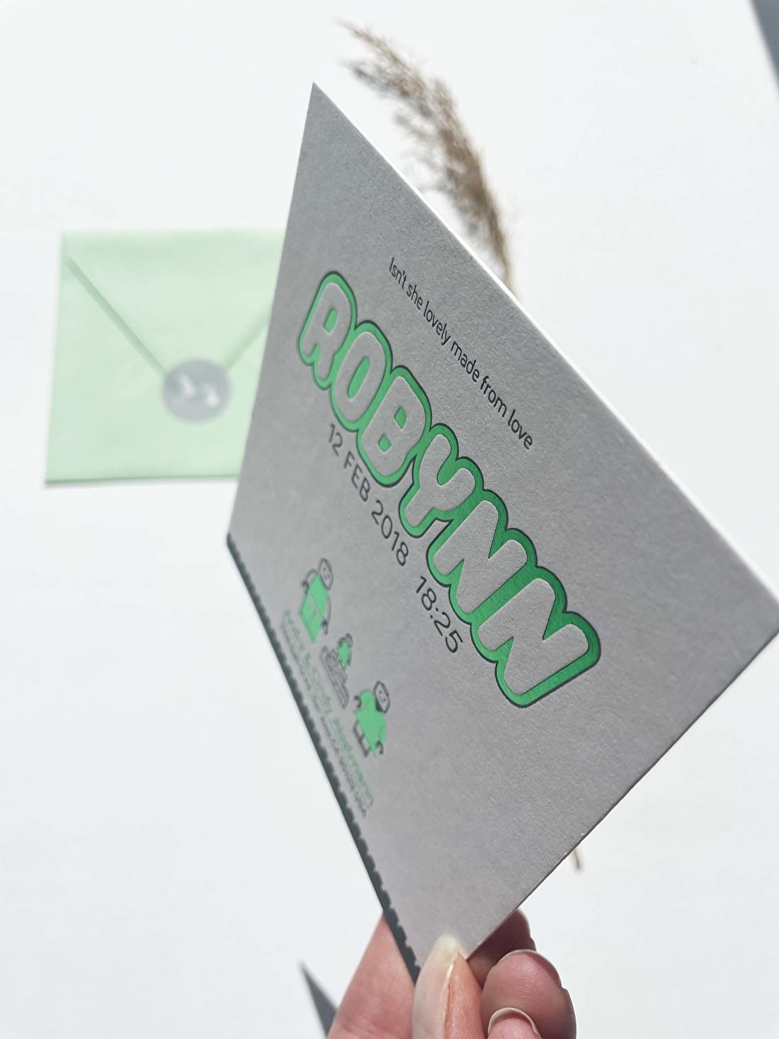 Geboortekaartje folie groen in letterpress lego foliedruk meisje jongen