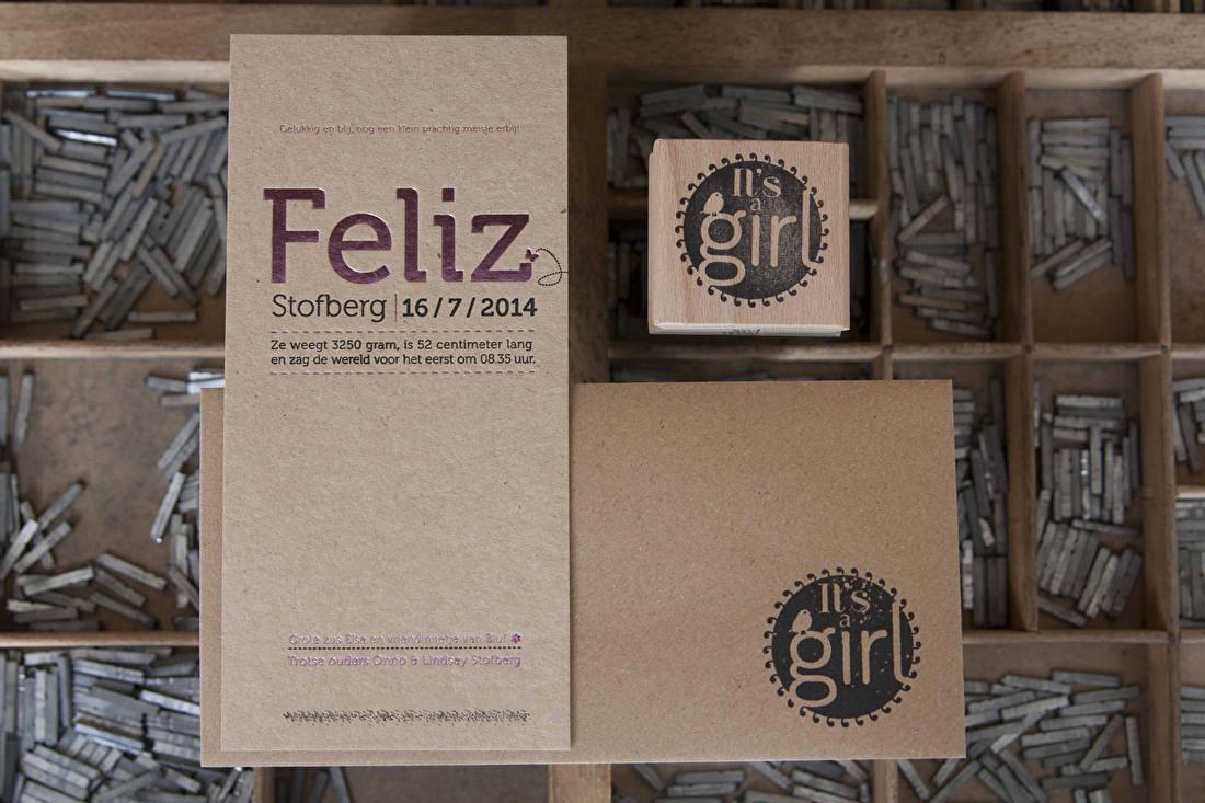 Geboortekaartje folie roze/rose in letterpress kraft papier meisje