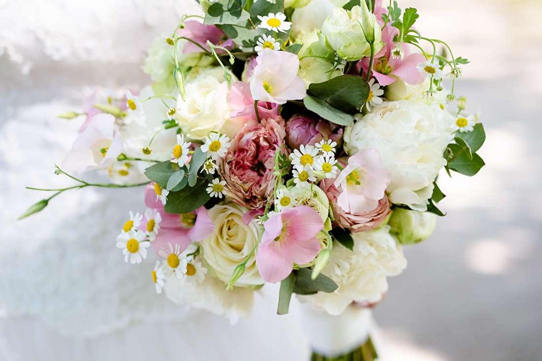 Barneveld-Bloomed-Bruidsbloemen-fleurig-bruidsboeket