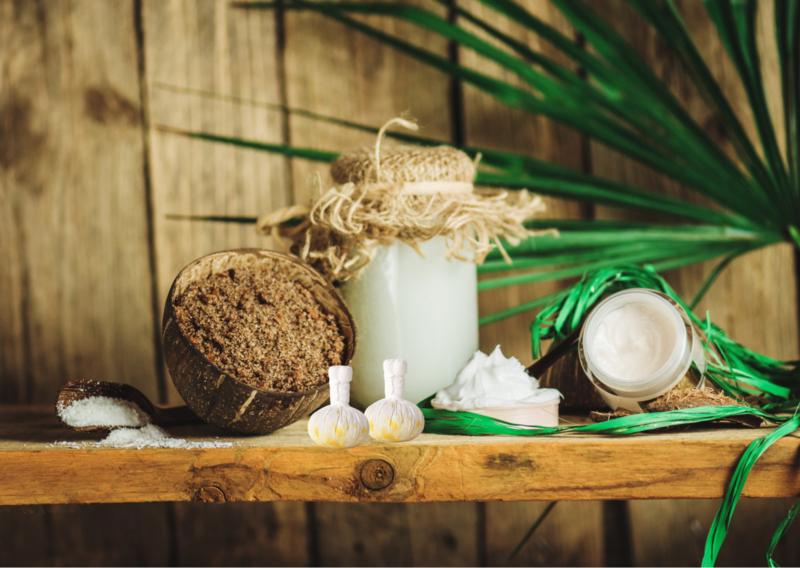 Sabaaydi Kokosstempelmassage Met kokos scrub