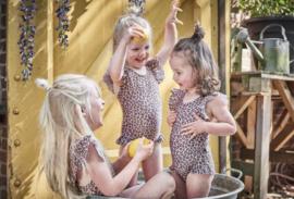 House of Jamie: Meisjes Ruffled Swimsuit - Caramel Leopard