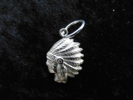 Zilveren indiaan hanger.