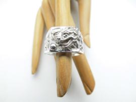 Zilveren draak ring.