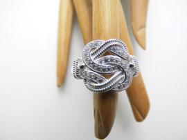 Zilveren mattenklopper ring met zirkonia steentjes. (medium)