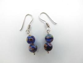 Zilveren dubbel blauwe bloem kralen oorbellen.
