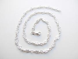 Zilveren mattenklopper ketting. (dun)
