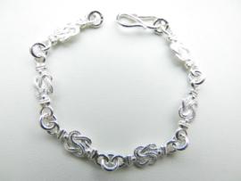 Zilveren baby mattenkloppertjes bracelet.