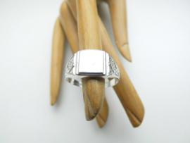 Zilveren cachet ring.
