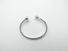 Zilveren baby boei armband. (vuist-bal)