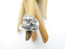 Zilveren panterkoppen ring.