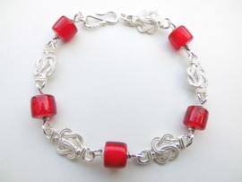 Zilveren mattenklopper rode ingi boca kralen bracelet.