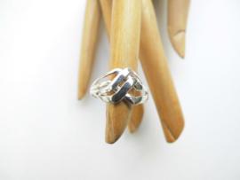 Zilveren gevlochten ring.